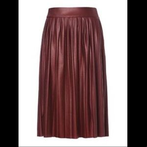 ZARA - pleated faux leather skirt